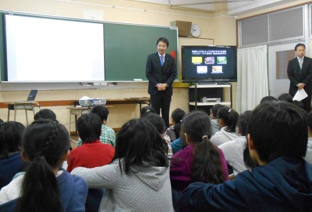 (授業を見学した鎌倉市の松尾市長から「鎌倉を守っていくために、皆さん力をあわせてがんばりましょう」とのメッセージ)